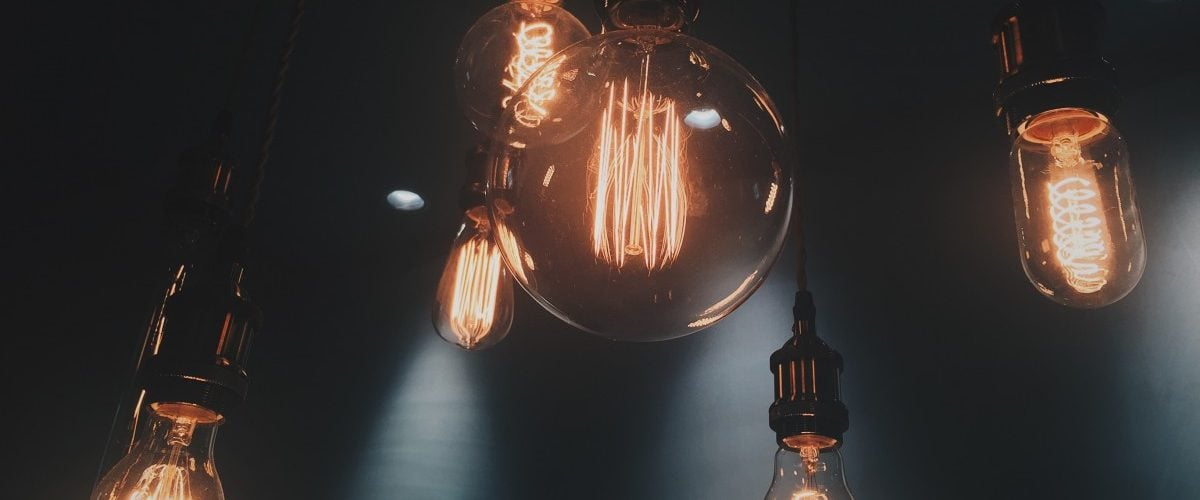 为什么电灯泡会发光?