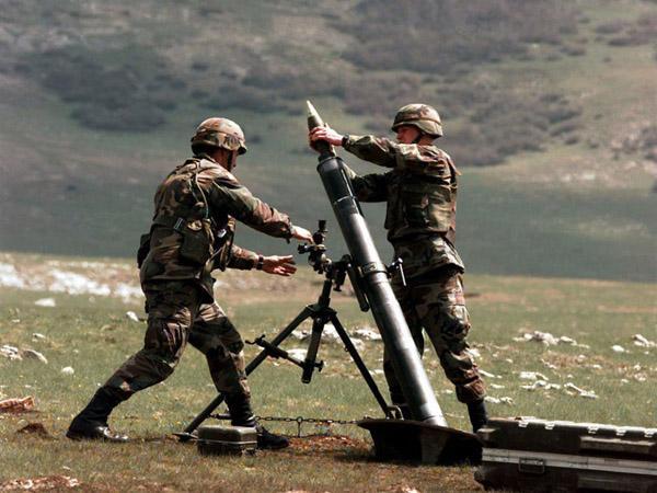 为什么迫击炮能击中遮蔽物后的目标?