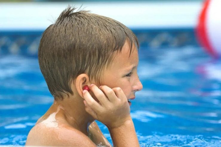 为什么耳朵进水后听不清声音?