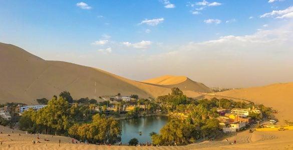 为什么沙漠里会有绿洲?