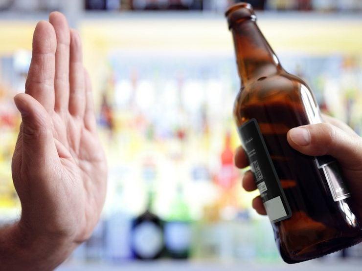 为什么不赞成青少年饮酒?