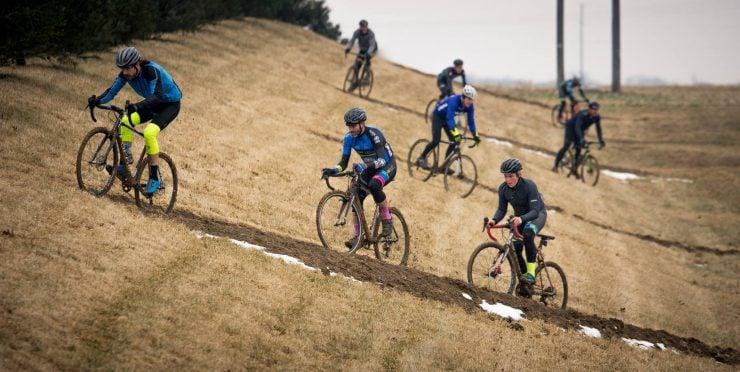 """为什么自行车比赛选手要走""""之""""字形路线?"""