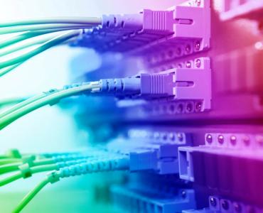 为什么一根光纤上可以同时让成千上万人通话?