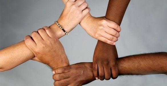 为什么人的皮肤会有不同的颜色?