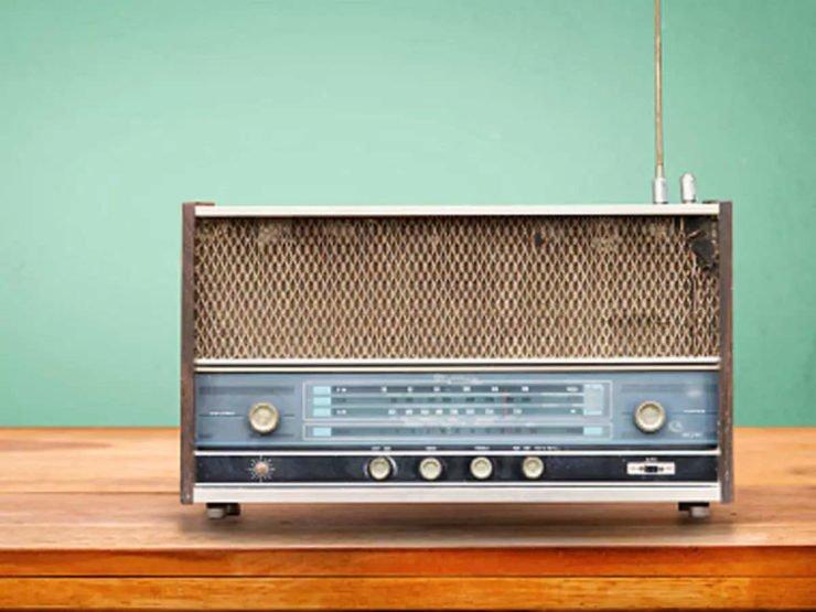 为什么收音机能选择电台?