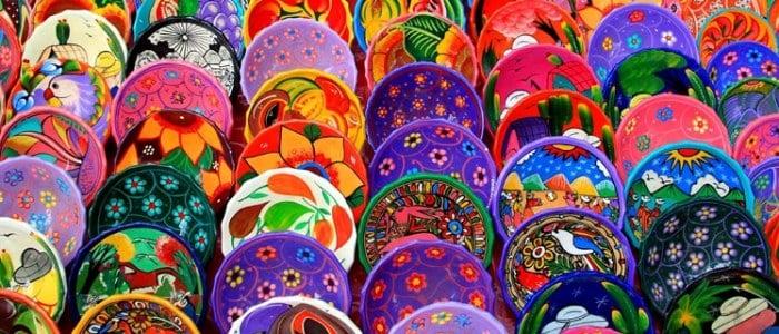 为什么在陶瓷上可以烧出各种美丽的颜色?