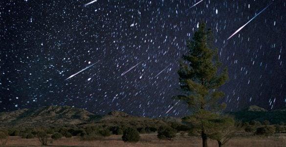 为什么天空中会出现流星?