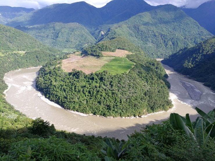为什么雅鲁藏布江谷地有地热资源?