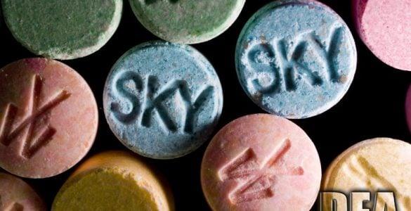 """为什么毒品是万万不能""""试""""的?"""