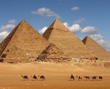 为什么说埃及金字塔是古代文明史上的奇迹?