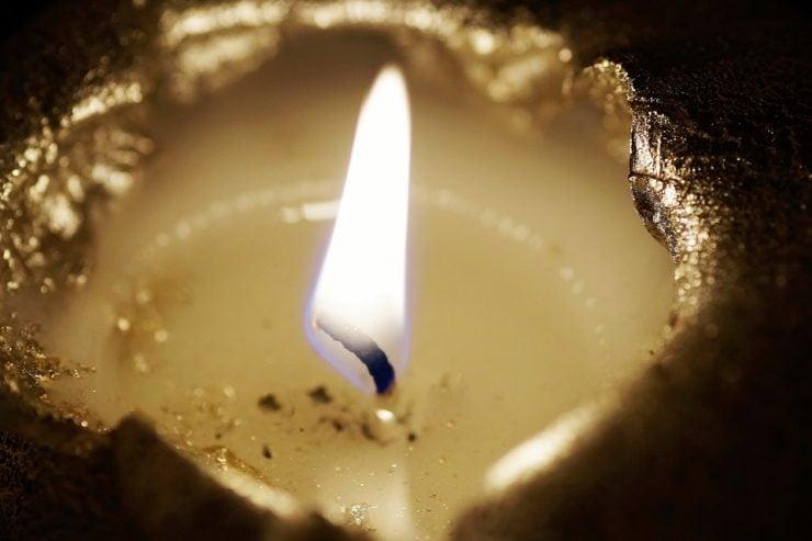 蜡烛燃烧后变成了什么?